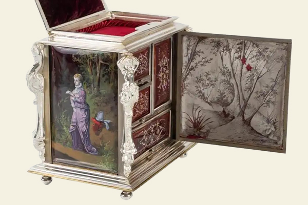 These Lovely Vintage Jewelry Boxes Store Your Valuables in Style